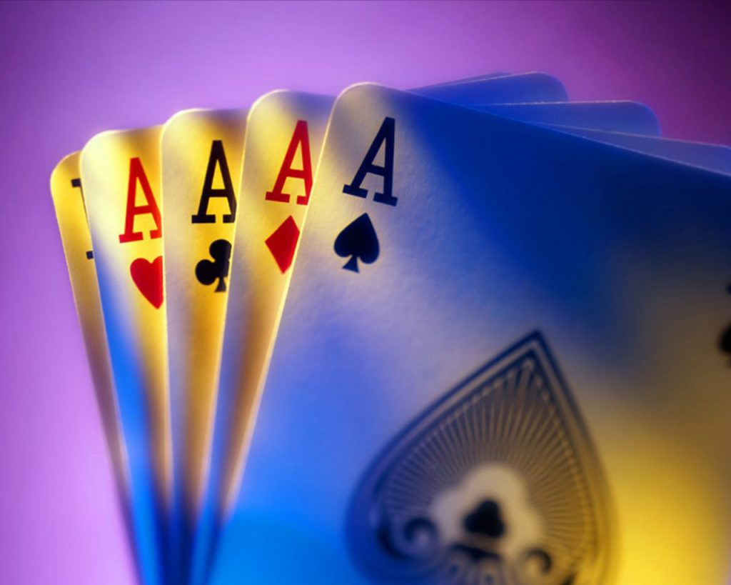 Manfaat Main Judi Poker Online Untuk Bettor